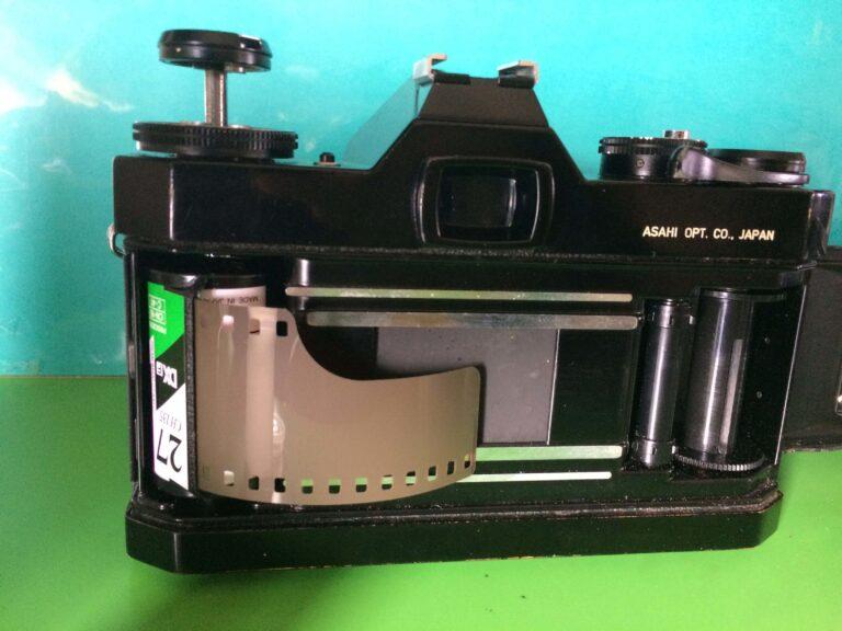 フィルムカメラのフィルムの取り出し方/PENTAX ES